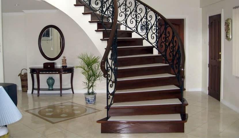 -استفاده از نرده پله فرفوژه چه مزایایی را به دنبال دارد؟